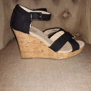 New Tom's Sienna Cork Wedges Black-Size 5